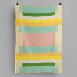 MIKKEL_THROW_PASTEL_3752