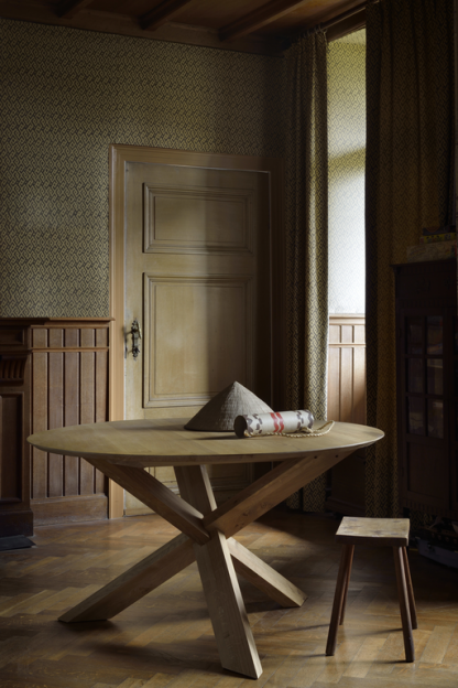 50165 Circle dining table - Oak (4)