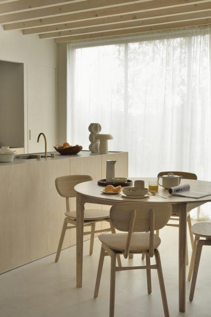 51527_Oak_Bok_round_extendable_dining_table_50664_Oak_Pebble_chair_2_WEB